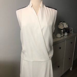 White Sandro top with collar